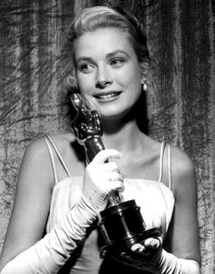 oscar time... http://vickiarcher.com/2013/02/the-academy-awards-who-will-be-wearing-what-who-will-be-dressing-who/