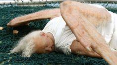 """La escultura de un """"ángel caído"""" que ha impactado en Beijing - Cooperativa.cl"""