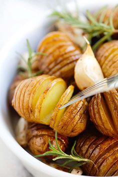 Balsamic Roasted Potatoes - crazy delicious hasselback roasted potatoes with honey balsamic and garlic. Best potato side dish ever | rasamalaysia.com
