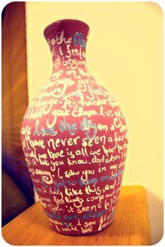 Easy #DIY Painted Lyrics Vase!  #upcycled #upcycling
