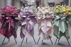 Single Flower Bouquet, Felt Flower Bouquet, Gift Bouquet, Creative Flower Arrangements, Church Flower Arrangements, Floral Arrangements, Blush Wedding Theme, Wedding Flowers, Paper Flower Decor