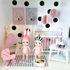 Best friends in Freja's miniature room. Wish I could add the Fawn, Unicorn and Strawberry Sonny Angel to our 'collection' but they are kinda hard to find... #sonnyangel #kidsroom #barnrumsinspo #xoeinding #Padgram