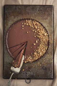 Karamel-sjokoladetert South African Recipes, Baking, Desserts, Food, Tailgate Desserts, Deserts, Bakken, Eten, Postres