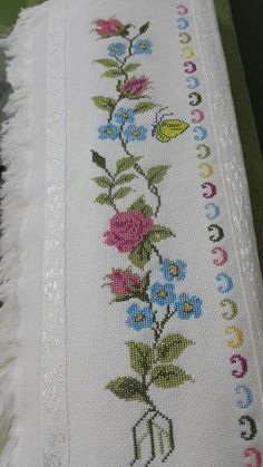 This Pin was discovered by Hor Cross Stitch Bookmarks, Cross Stitch Borders, Cross Stitch Designs, Cross Stitching, Cross Stitch Embroidery, Cross Stitch Patterns, Towel Embroidery, Form Crochet, Chain Stitch