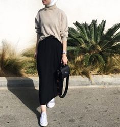 ZAFUL offers a wide selection of trendy fashion style women's clothing. Affordable prices on new tops, dresses, outerwear and more. Modern Hijab Fashion, Street Hijab Fashion, Muslim Fashion, Look Fashion, Trendy Fashion, Fashion Outfits, Classy Fashion, Fashion Tips, Korean Fashion