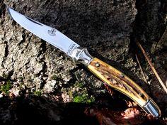 Polyák kések Switchblade Knife, Case Knives, Tactical Knives, Custom Knives, Knives And Swords, Folding Knives, Knifes, Hungary, Gun