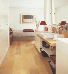 Dormitorio con baño integrado Corner Desk, Loft, Interior Design, Bed, Furniture, Home Decor, Bathroom, Ideas, Dressing Room