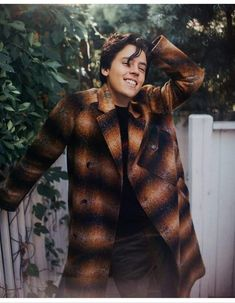 Cole Sprouse Says Jughead Will Be Angrier in 'Riverdale' Season Photo Jughead Jones will have a big chip on his shoulders when Riverdale returns next week, according to Cole Sprouse. The actor talked with Teen Vogue about what Jughead… Dylan Sprouse, Cole Sprouse Haircut, Cole Sprouse Hot, Cole Sprouse Funny, Cole Sprouse Jughead, Teen Vogue, Riverdale Season 2, Riverdale Cast, Dylan And Cole