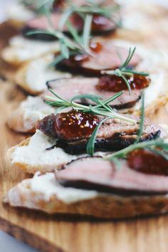 Duck Confit Crostini with Parsnip Puree and Fig - Ente And Gans Confit Recipes, Duck Recipes, Fine Dinning Recipes, Smoked Duck Recipe, Crostini, Bruschetta, Appetizer Recipes, Appetizers, Parsnip Puree
