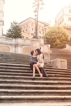 Elegant Rome Love Shoot with In Love in Italy - Piazza di Spagna