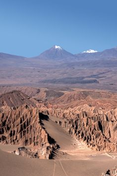 Atacama Desert, Chile, driest desert in the world, and one of the best places to see the stars. Places To Travel, Places To See, Travel Destinations, Peru, Places Around The World, Around The Worlds, Beautiful World, Beautiful Places, Amazing Places