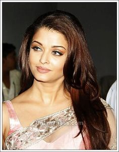 Image about girl in Beautiful Aishwarya 💜 by 🦋 Aishwarya Rai Photo, Actress Aishwarya Rai, Aishwarya Rai Bachchan, Bollywood Actress, Bollywood Style, World Most Beautiful Woman, Gorgeous Lady, Indian Bridal Makeup, Beauty Around The World