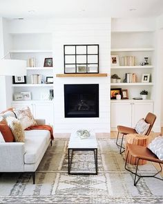 Loving this modern farmhouse vibe from + the Design Crew! Share your style with ✨ Loving this modern farmhouse vibe from + the Design Crew! Share your style with ✨ Living Room Interior, Living Room Inspiration, Interior Design Living Room, Trendy Living Rooms, Room Remodeling, Living Room Design Modern, Living Room Diy, Farm House Living Room, Room Interior