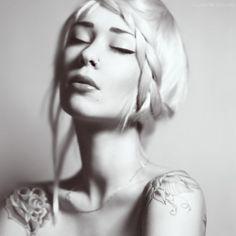 Google Image Result for http://s1.favim.com/orig/14/black-and-white-girl-model-pretty-tattoo-Favim.com-184104.jpg