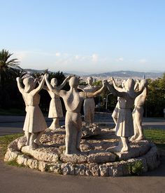 'Sardanes' Montjuïc sculpture