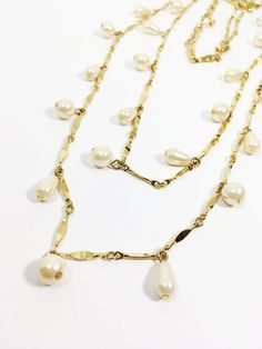 Vintage Stunning 70s Five STrand Bold  MOD Gold Metal Chains Faux Pearl Ladies Statement Necklace Prom Wedding Bridal Gift for Her