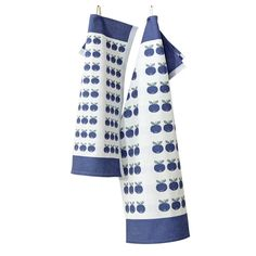 Lapuan Kankurit Mustikka White/Blue Tea Towel A place to retreat from the city's bustle and relax among nature's beauty, the cottage is an essential part of Finnish life; Kitchen Linens, Holiday Traditions, Home Fashion, Tea Towels, Blueberries, Clothes, Decor, Outfits, Berry