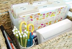 IHeart Organizing: UHeart Organizing: An Office in a Box!  Great idea