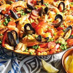 Discover recipes, home ideas, style inspiration and other ideas to try. Easy Rice Recipes, Easy Healthy Recipes, Fish Recipes, Dinner Side Dishes, Dinner Sides, Quick And Easy Soup, Quick Easy Meals, Seafood Soup Recipes, Seafood Stew