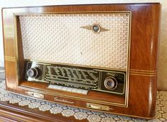 Wij  hadden vroeger  thuis  ook  zo'n  soort  radio