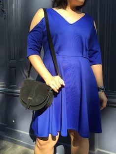 Couture DIY - robe bleu electrik à épaules nues