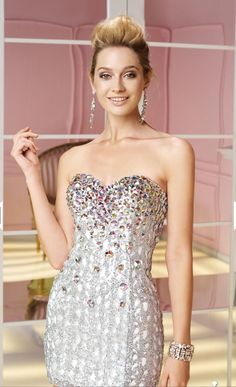 I don t really like short dresses but this is lovely Short Sparkly Dresses 1fe4b6c88756