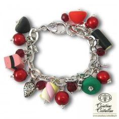 odd shaped beads simulating candies....................Bracelet à breloques, bonbons gourmandises