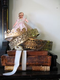 Lamp rings = crowns....how sweet are these? from Pamela Huntington's blog.. check it out!