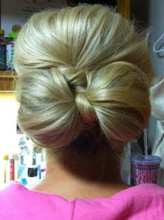 Hair updo into bow - I would love to be able to do this with my hair. I think it may be too thick, but I would love to try it, anyway!