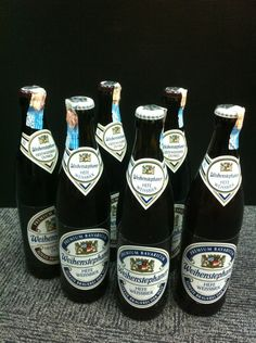woahaha...some beer brought back from boss! ohyaa..work wit beer....