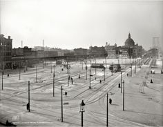 1906 - Trolley terminal at the Williamsburg Bridge New York Pictures, Old Pictures, Williamsburg Bridge, Vintage New York, Historical Images, New York Post, Old City, Great Shots, Picture Photo
