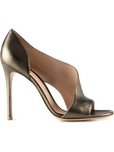 Now, this is what I call a shootie. 'Poxsafa' pumps in DNA. Gianvito Rossi