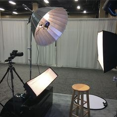 The beauty build out... Anyone who sits on that stool is instantly transformed into a Maybelline advertisement. Crispy key light with a wide fill. I'll be cooking up killer lighting all day today too, swing by if you're in the Nashville area! #imagingusa #broncolor #flashmatters #beautylighting #para88 #highkey #makeportraits #photographer #bts