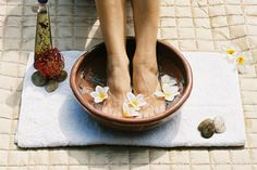 Listerine Home Pedicure  It's almost time to out the sandals.  Are your feet ready for the world? Here's an easy but very effective home remedy to get rid of the winter callous and dry skin. Your feet will feel amazing  and look pretty too!