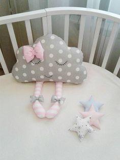 C'est un merveilleux dormir nuage est un adorable cadeau pour shower de bébé et aussi pour la décoration de chambre Chambre d'enfant ou les enfants! ●●● Nous utilisons des tissus naturels et de haute qualité! Oreiller pour bébé et isolation de courtepointe Hollofayber