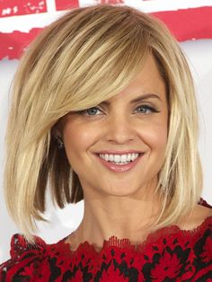 Mena Suvari square face bangs