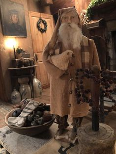 Primitive Country Christmas, Primitive Santa, Primitive Christmas, Rustic Christmas, Christmas Home, Primitive Decor, American Country, Early American, Santa Claus Is Coming To Town