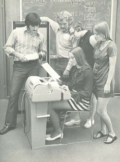 The card punchers were noisy and slow ▓ 1972. Programming punch cards.