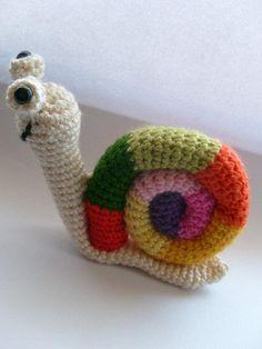 Tutorial Caracol Amigurumi Snail : AMIGURUMI - caracol on Pinterest Crochet Snail, Snails ...