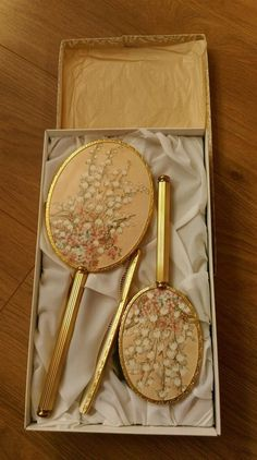 Vintage dressing table set which is still in its original box. Gold Aesthetic, Classy Aesthetic, Aesthetic Room Decor, Aesthetic Vintage, Vintage Dressing Tables, Dressing Table Set, Antique Vanity, Vintage Vanity, Vintage Perfume