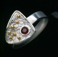 Ring: Reticulated silver, sterling silver, 24 K gold, ruby. 24k Gold Jewelry, Jewelry Art, Jewelry Making, Silver Rings, Sterling Silver, Inspiration, Biblical Inspiration, Jewellery Making, Make Jewelry