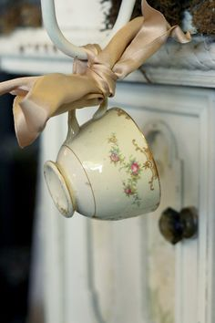 """Photo of Forget Me Not Antiques - """"pretty teacup detail"""" - Riverside, CA Rose Cottage, Shabby Cottage, Cottage Chic, Shabby Chic, French Cottage, My Cup Of Tea, Vintage China, Vintage Soul, Antique China"""