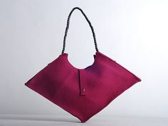 Perfect gift for mother. Elehant yet exceptional shoulder bag made of purple felt. Handmade with love – a unique product by yourspeking via en.DaWanda.com