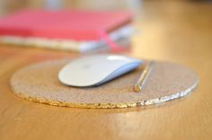 10 DIY mousepads  I really need to make one to replace the books I use as mousepads (M)