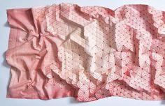 Designers criam tecidos com efeitos tridimensionais inspirados nas dobraduras de origamis stylo urbano-1