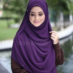 Rumaisa Pleated Shawl Code : DHRPS 002 Price : RM55 (exc postage) Material : Georgette Chiffon Approximately : 1.8 mtr x 28 inch Rectangle Shape For online purchase, kindly PM us on facebook : Closet Heart Official or email us : closetheartshop@gmail.com. Tq emoji #rumaisa #rumaisashawl #wideshawl #chiffon #pleated #pleatedshawl #selendang #lensaroy