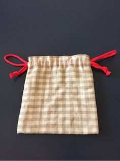 Easy sewing tips are readily available on our internet site. Have a look and you wont be sorry you did. Handmade Crafts, Diy And Crafts, Drawing Tips, Drawing Ideas, Easy Drawings, Sewing Hacks, Diy Art, Handicraft, Diy Clothes