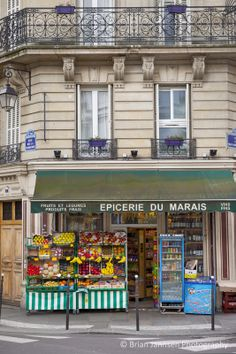 Grocery of le Marais, Paris, France. © Brian Jannsen Photography
