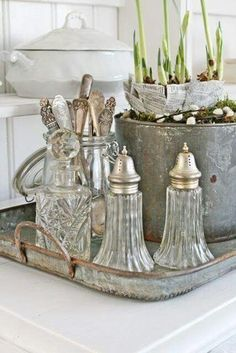 Dignified rustic shabby chic home view video Decoration Shabby, Shabby Chic Decor, Rustic Decor, Shabby Chic Kitchen, Shabby Chic Homes, Country Kitchen, French Decor, French Country Decorating, Swedish Decor