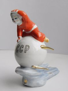 Rare Soviet Propaganda Statue figurine Porcelain Gagarin Astronaut Sputnik Space